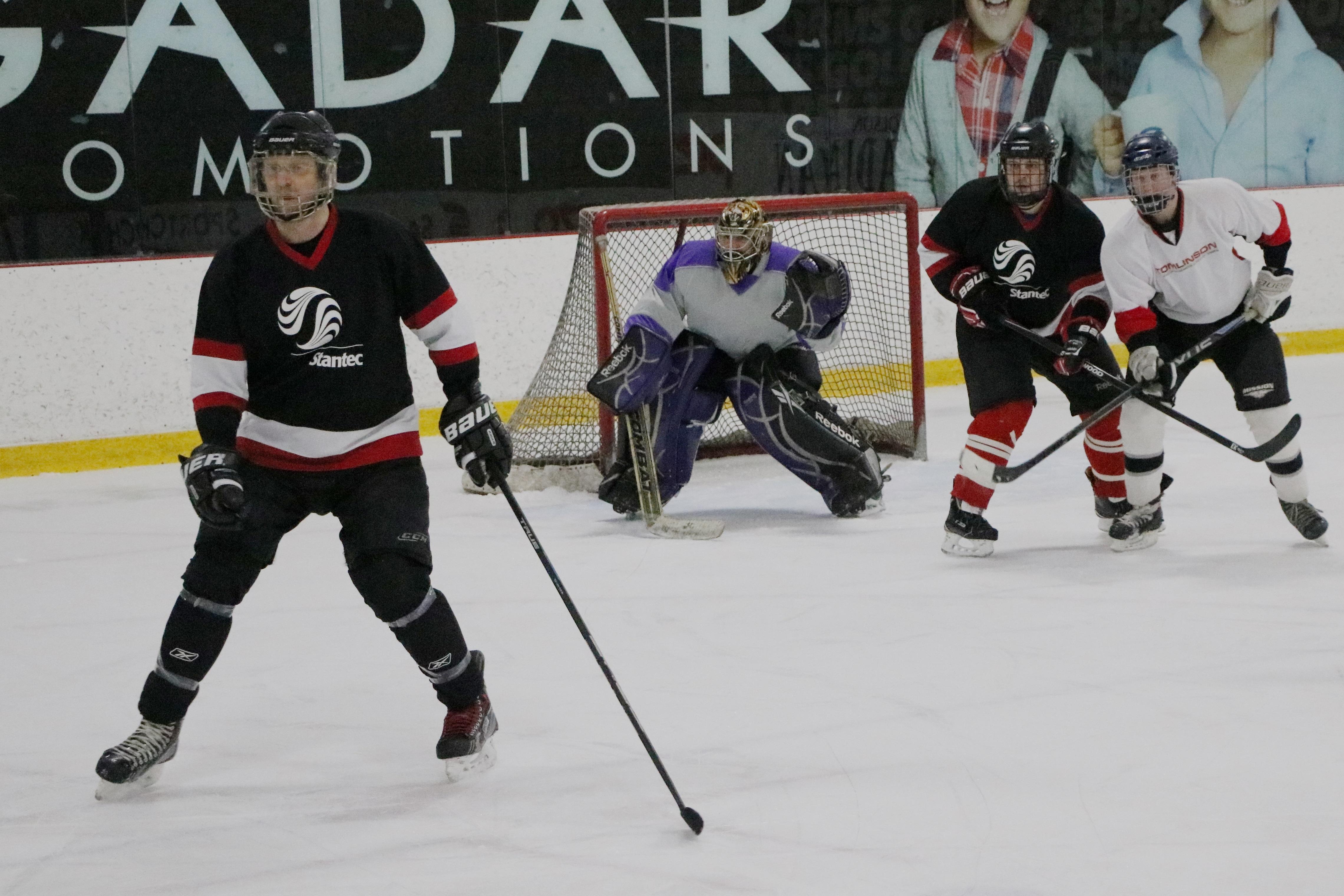 20th Stantec Hockey Tournament Raises 36 000 For Camp Smitty