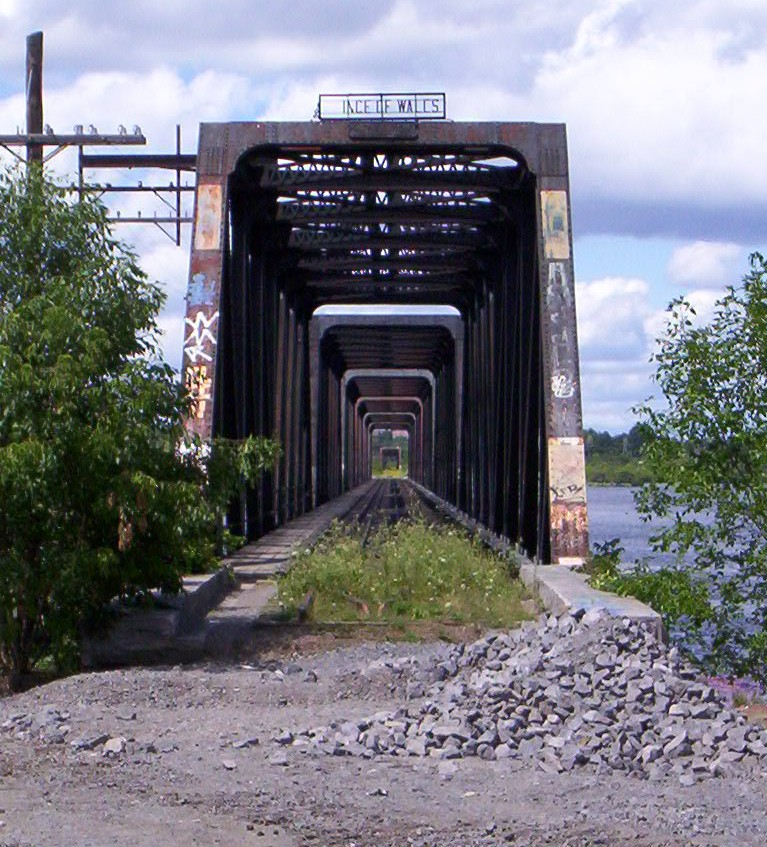 The Prince  of Wales bridge -- the key link in MOOSE's regional commuter rail proposal